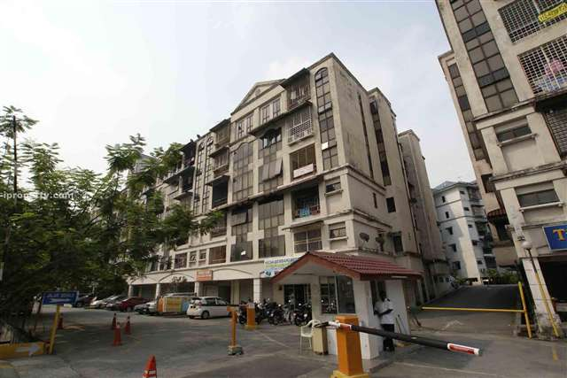 Lembah Maju Apartment - Photo 2