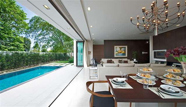 Dining & Living Area Overlooking Private Pool