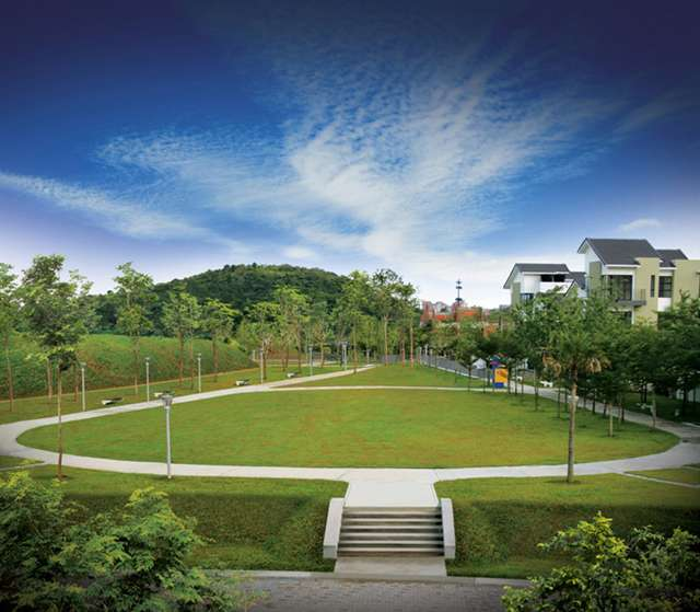 Linear Park stretches beside ARIA @ ARECA