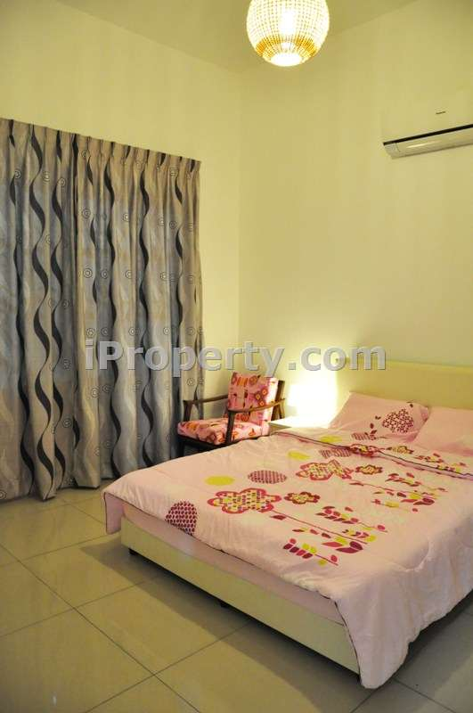4 bedrooms fully air cond