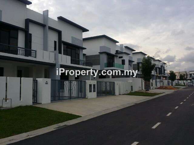 Cluster homes for rent in bukit indah garden villas nusajaya for rm