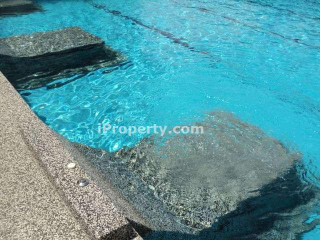 Condominium for sale in puchong koi kinrara puchong for for Koi kinrara swimming pool