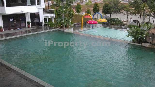Semi Detached House For Sale In Cahaya Spk Lake Garden