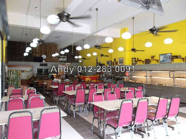 Inside Nurul Tom Yam Restaurant