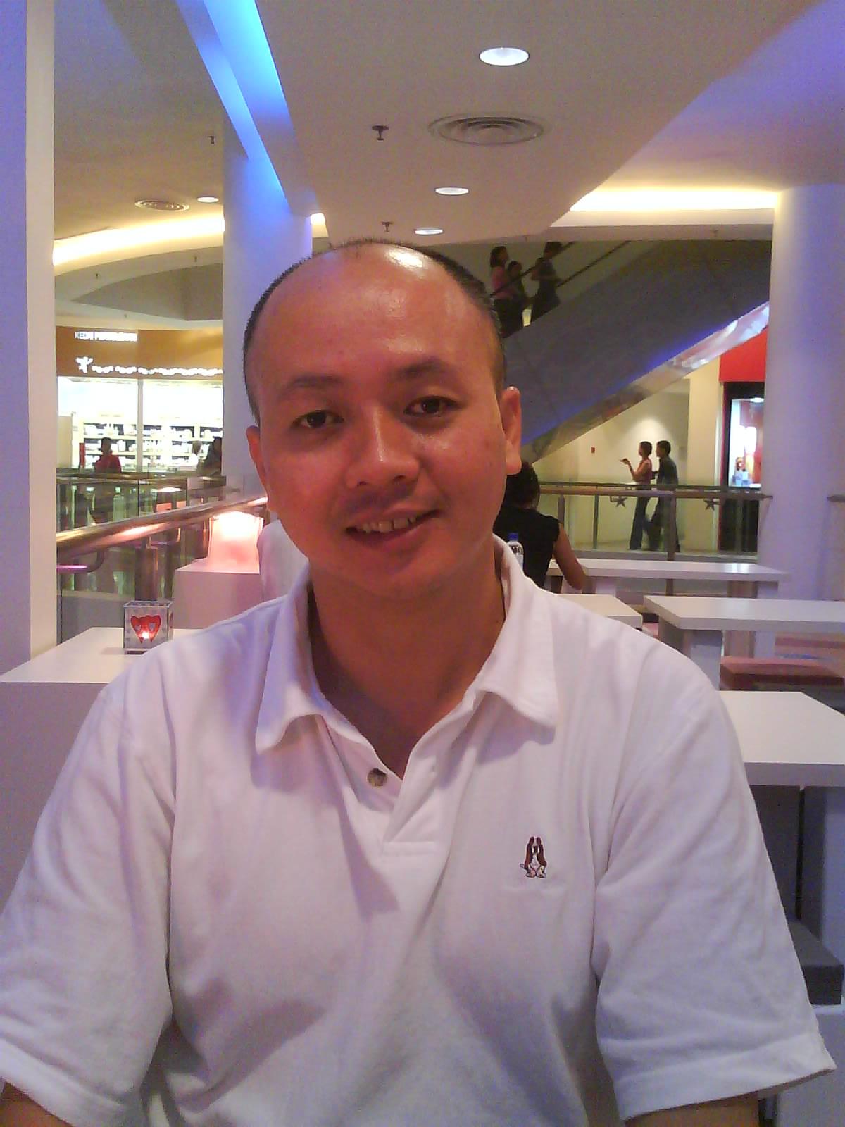 Max Chong