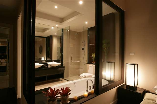 Master Bathroom Unit D